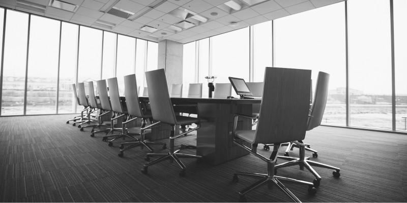Réunions de conseil municipal et commissions : 4 outils clés pour les organiser efficacement